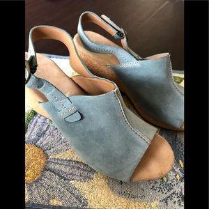 😎🌼😎 CLARKS ELEMENT Blue Swede sling-backs.😎🌼